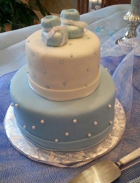 Custom cakes and cupckes for your baby shower in the